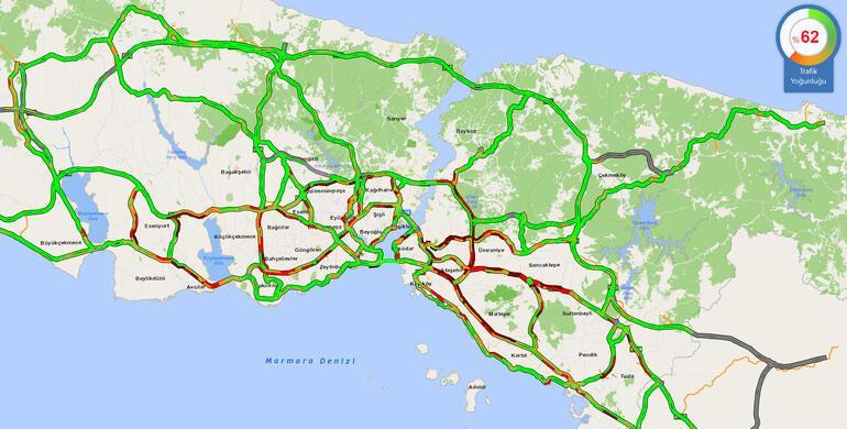 İstanbulda yüz yüze eğitimin ilk gününde trafik yoğunluğu